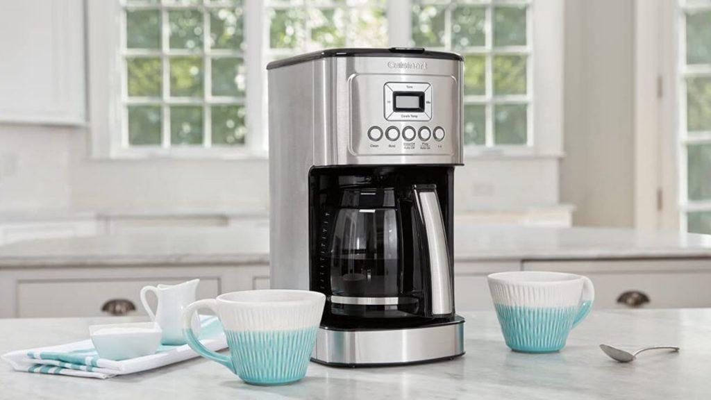 CLEAN CUISINART KEURIG COFFEE MAKER