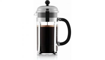 how does a French press coffee maker work
